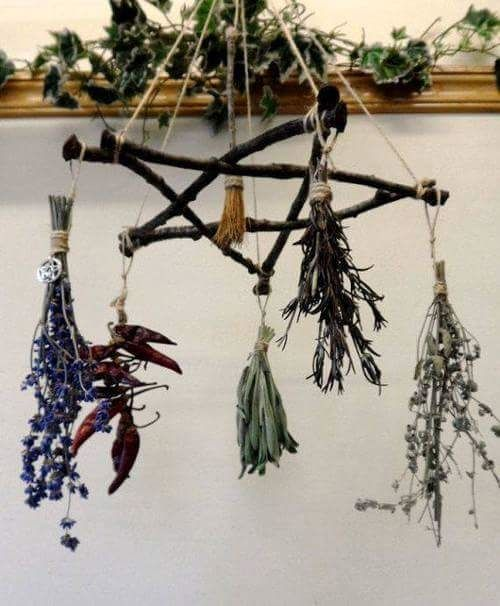 The Aries Witch ♈ Kitchen witch - pentagram pentacle DIY herb drying rack...Oh My Goddess it's so beautiful .