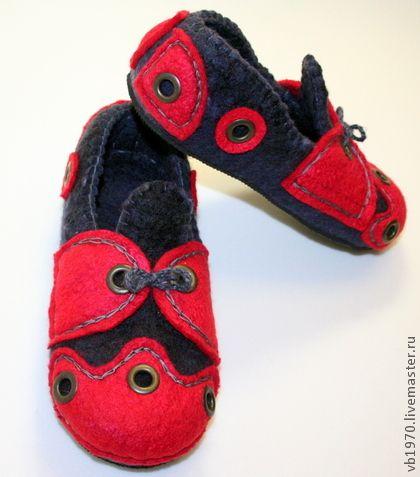 """Обувь ручной работы. Ярмарка Мастеров - ручная работа Тапочки валяные  """"Ретро"""" красные. Handmade."""