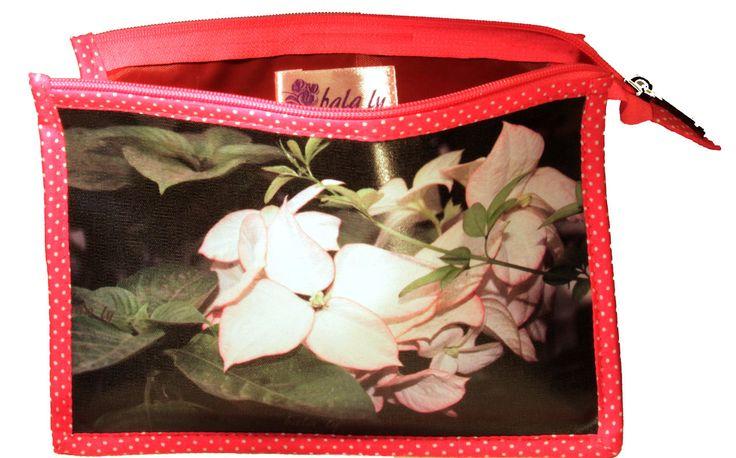cosmetic #purse #cosmetic #toilette #trousse #FLOWER #FLEUR#rose #maquillage #makeup #india de la boutique BALALY sur Etsy