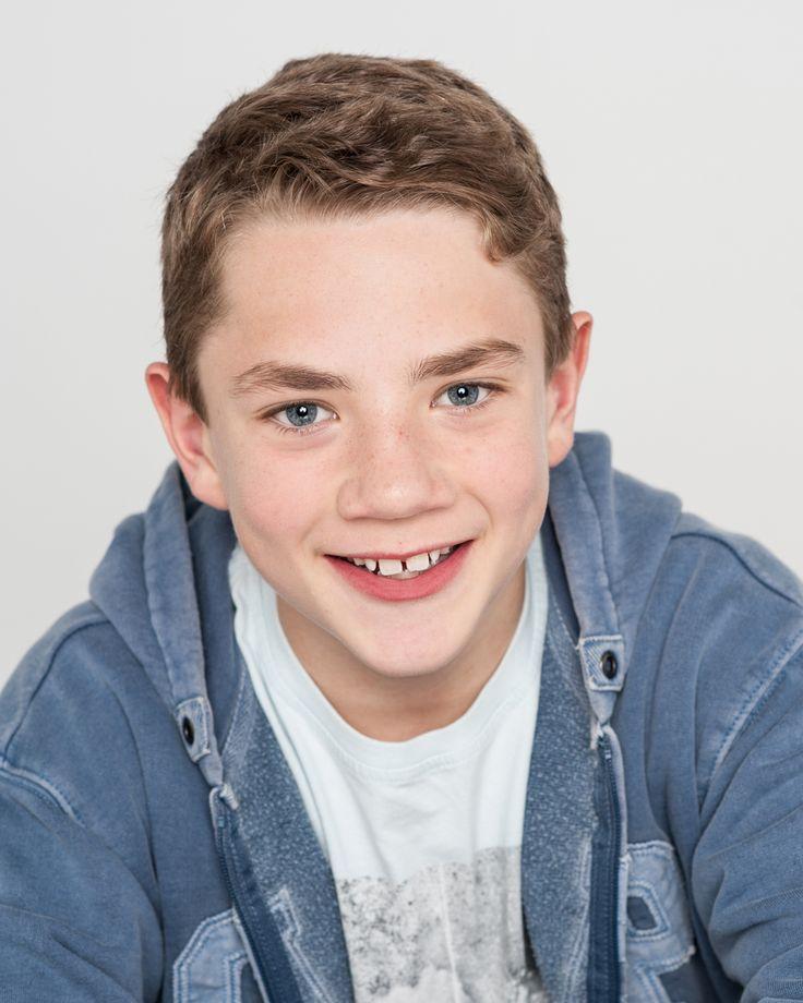 Alex de Vos plays Young Barney.  #DressmakerMovie