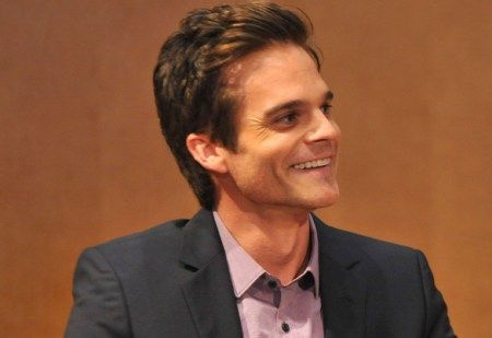 """A soap-opera star, Greg Rikaart of """"The Young and the Restless,"""" will guest-star on episode 2 of """"Bones"""" Season 9."""