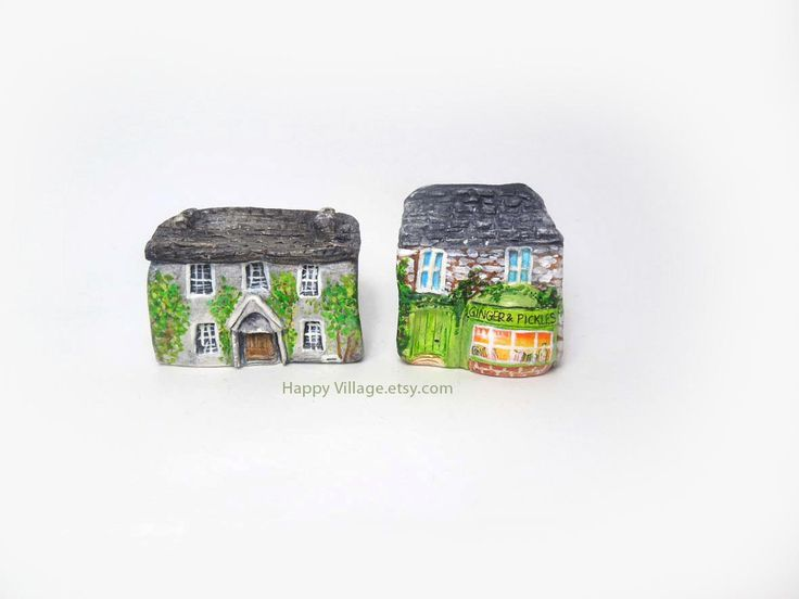 Beatrix Potter hilltop farm / Beatrix Potter home, Hill Top Farm and Pickles Shop miniatures!♥