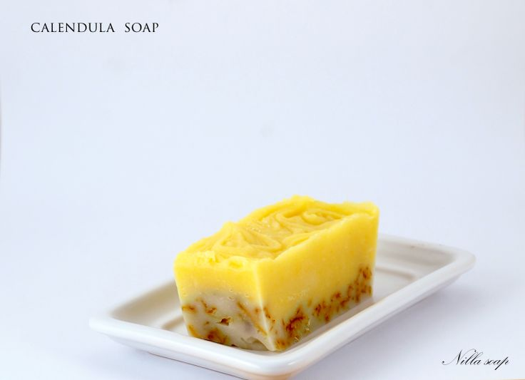 Calendula's orange petals have widely known antibacterial & anti-inflammatory effects. Beautiful soap designed for those with sensitive skin.
