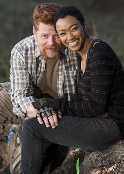 Sonequa Martin-Green and Michael Cudlitz behind the scenes of The Walking Dead Season 7 Episode 16 | The First Day of the Rest of Your Life