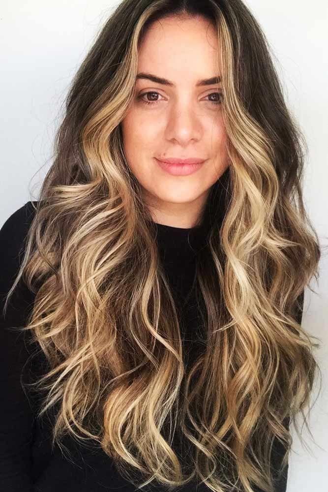 Beige Highlights On Dark Hair Face Framing Brunette Highlights Brownhair Balayagehairda Dark Hair With Highlights Brunette Hair Color Light Brown Hair