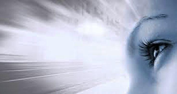Iridiología  La IridIología es una técnica que se utiliza para valorar el estado de salud del ser humano. En el iris del ojo pueden leerse como en un libro abierto, no sólo el estado actual del organismo, sino la historia completa de sus vicisitudes desde que cargado con la tara hereditaria, comenzó el desarrollo de su existencia, hasta la trayectoria probable que le reserva el porvenir.