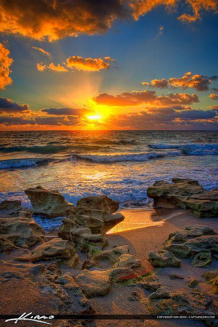 Beach Sunrise Carlin Park, Florida, USA (by Captain Kimo)