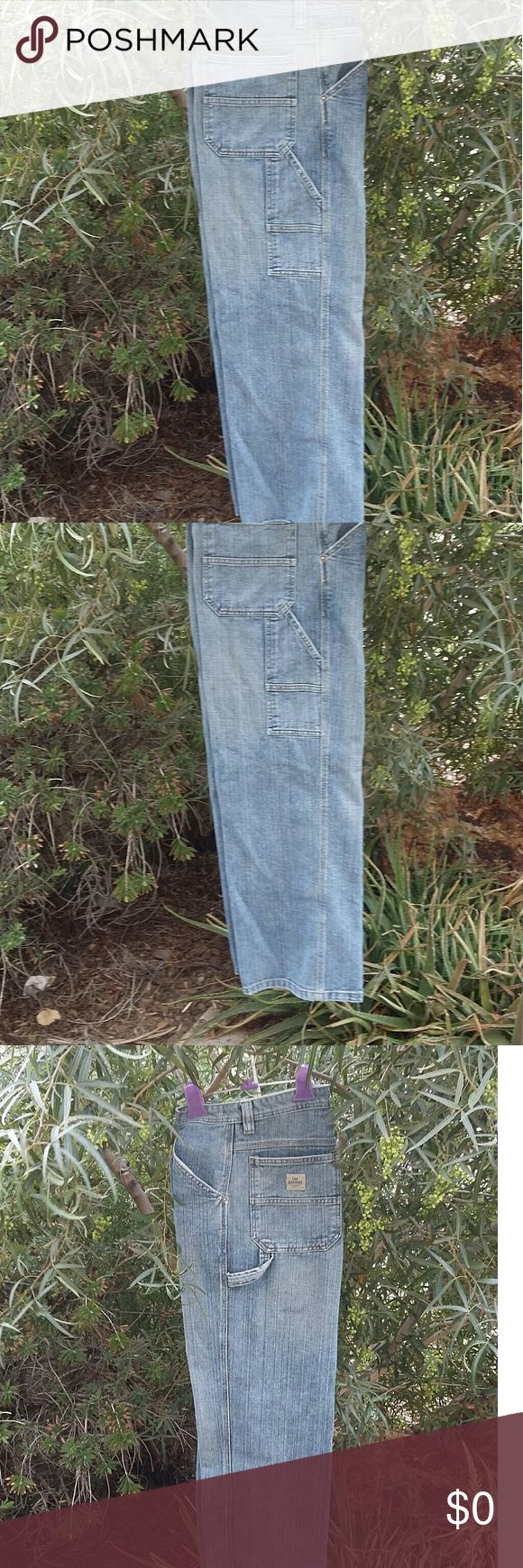 Lee's Jeans Lee's Jeans Carpenter Style. Size 18 in boys or 30 waist in mens. Lee Jeans Relaxed