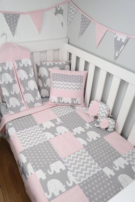 Patchwork cot quilt in Pink and Grey Elephants | Bebé | Pinterest