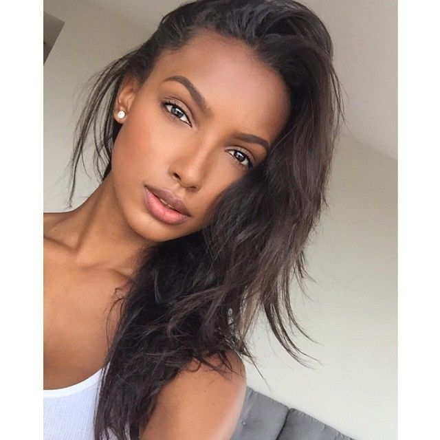 Barely there makeup on Jasmine Tookes