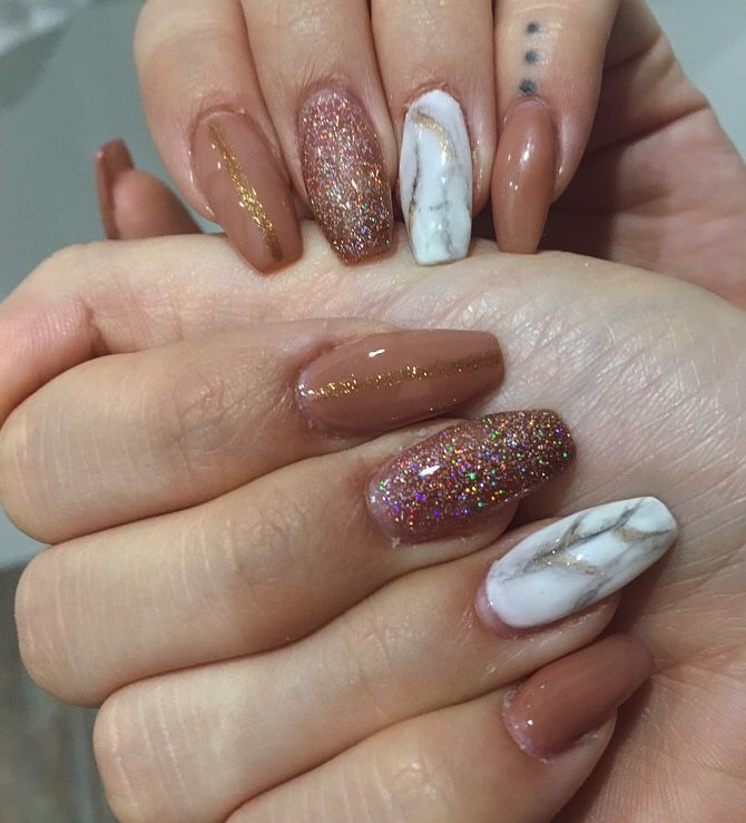 #nails #gel #nailart #glitter #marble #marblenails #whitemarble #nude #gold #naildesign