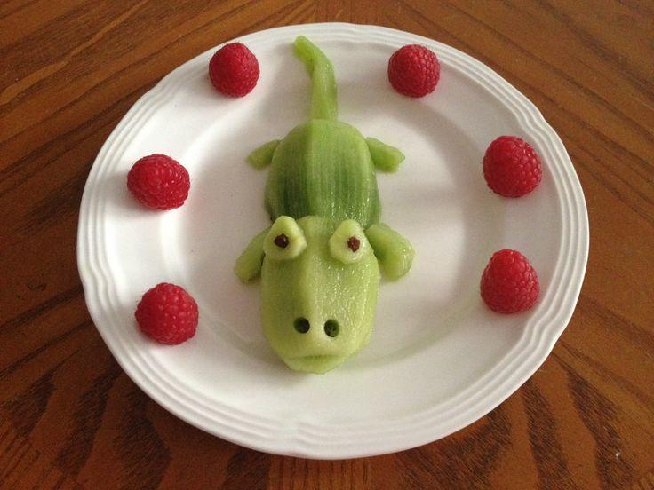 KIDS - FOOD - Mr. Croc Kiwi and Raspberries // Cocodrilo de kiwi y frambuesas