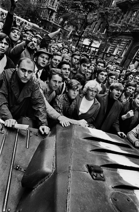 Josef Koudelka CZECHOSLOVAKIA. Prague. August 21st, 1968. Warsaw Pact tanks invade Prague. Near the Radio headquarters, crowds push back the first tank.