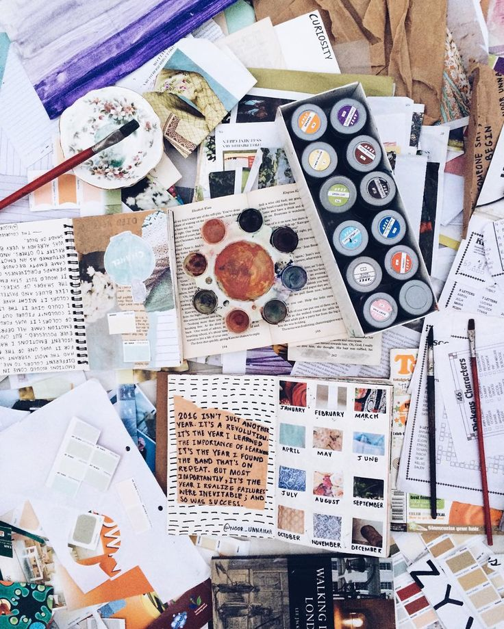 behind every art journal entry is this huge ~artsy~ mess // welcome to my workspace (https://www.instagram.com/noor_unnahar/)  // messy art supplies, tumblr aesthetics, photography, instagram ideas inspiration for artists, flatlay //