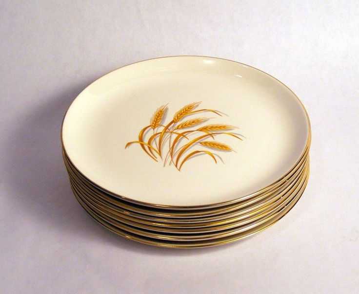 Homer Laughlin Set Of 8 Golden Wheat Luncheon Plates 24