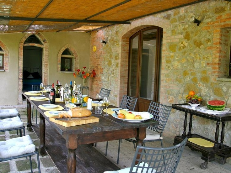 Luxury Tuscan Vacation Rental in Siena sleeps 10 with Maid Service