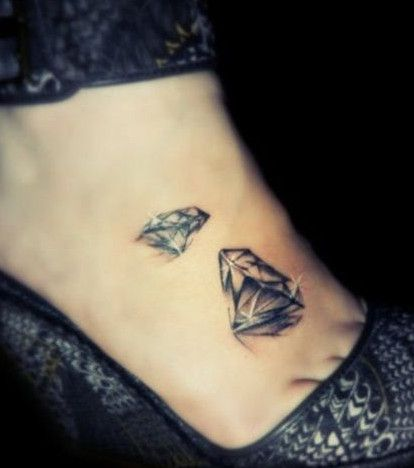 tatouage diamant : 20 idées de dessins pour s'inspirer | my tattoos