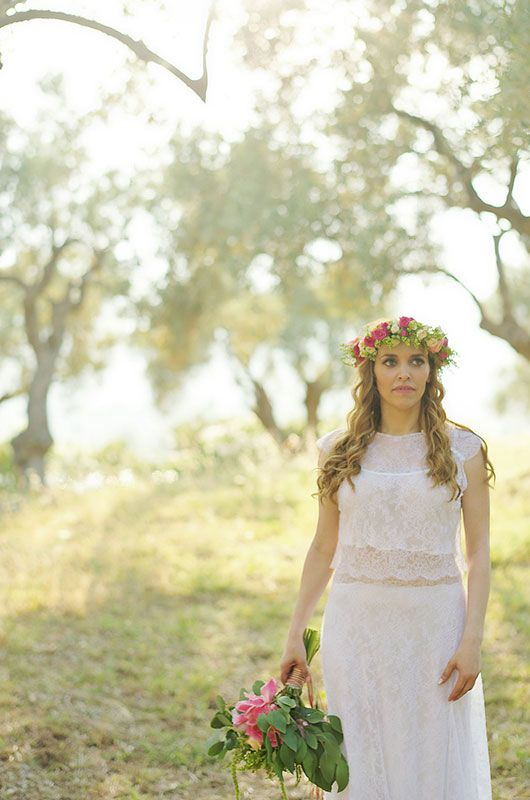 Boho wedding in Skiathos island! Maria was an outstanding bride! She wor a boho Anem wedding dress and matched it with a headpiece made of fresh flowers!