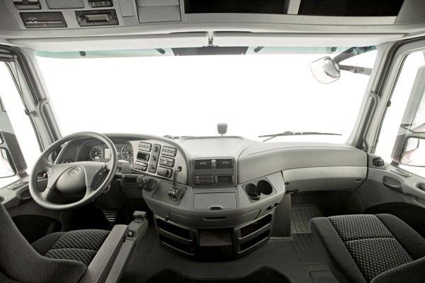mercedes benz truck interior trucks cabover. Black Bedroom Furniture Sets. Home Design Ideas