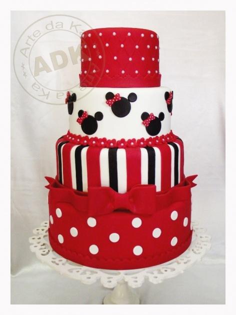 Minnie Mouse Cake by Arte da Ka.