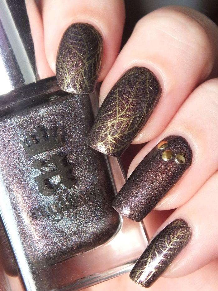 nail-art-automne-fall-stamping-chez-delaney-frenz-nail-cybermetal-seeping-palade-a-england-feuilles-automne-stufs-carroussel-bornprettystore-avis-essai-vernis-ongles-longs-naturel (8)