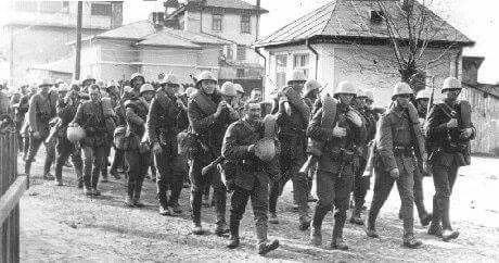 Marching Romanian troops on the Don