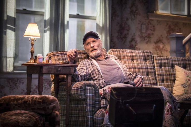 Ed Harris in Buried Child, Trafalgar Studios, photo Johan Persson https://www.fromtheboxoffice.com/3LM9-buried-child/