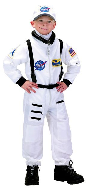 How-to-Make-an-Astronaut-Costume...brilliant tips!  Now to find a painters jumpsuit in kid-size!