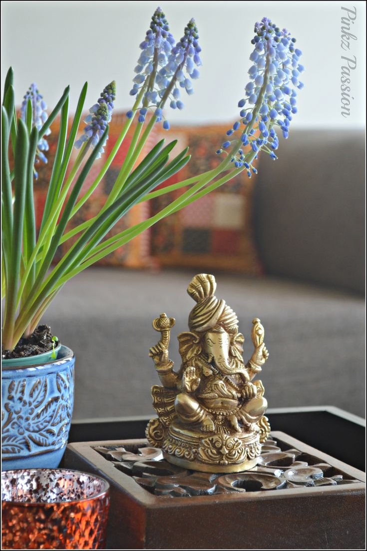 Brass Ganesha Indian Home D Cor Spring Flowers Collectible Ganesha