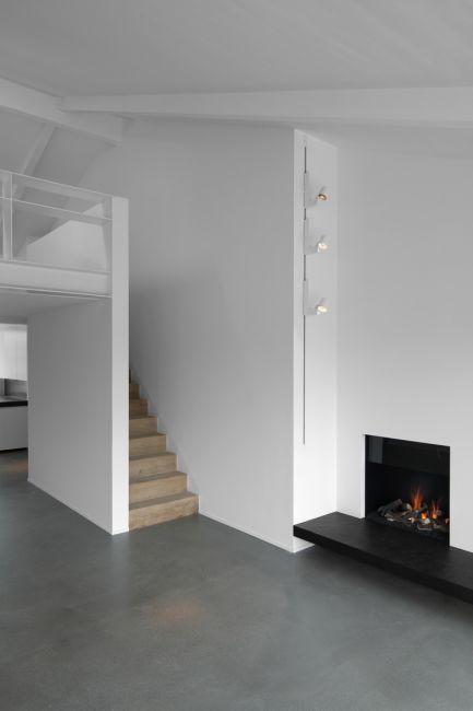 Peter Ivens   b+w, wood + concrete