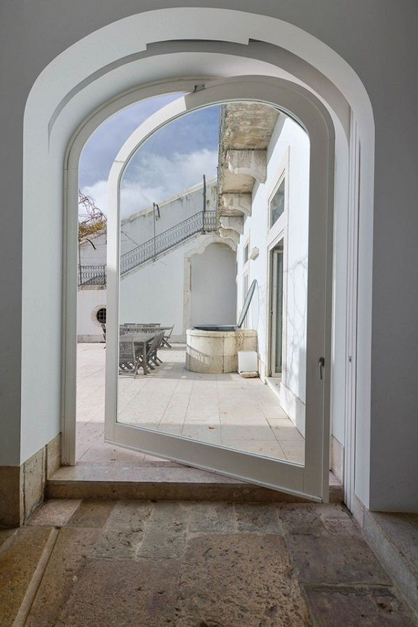 wonderful renovated 18th century house in Lisbon