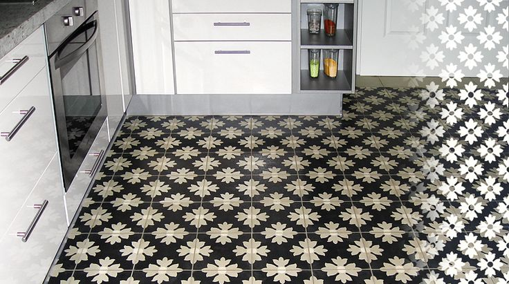 Kitchen with flower pattern cement tiles #mosaicdelsur #cementtiles