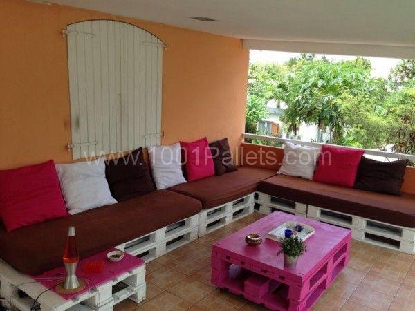 Canap d 39 angle en palettes corner pallet sofa pallet - Fabriquer canape d angle en palette ...