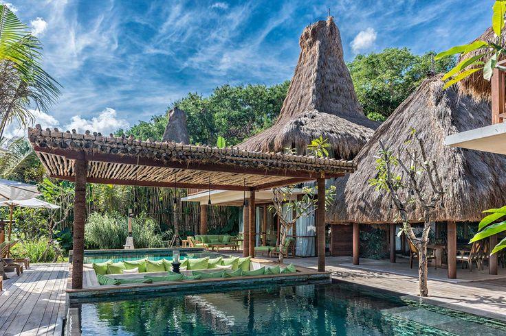 Puncak Estate | 3 bedrooms | Sumba, Indonesia #exterior #swimmingpool #dining