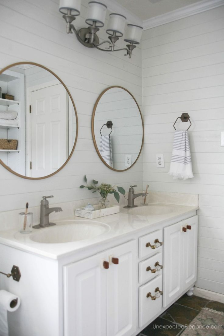 These small bathroom updates gave this bathroom an immediate ...