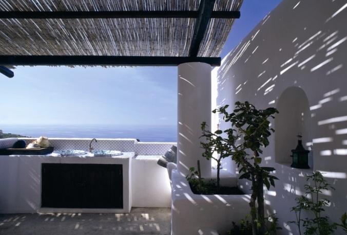 La terrazza sul marehttp://www.marieclaire.it/Casa/Casa-a-Stromboli-sotto-il-vulcano#