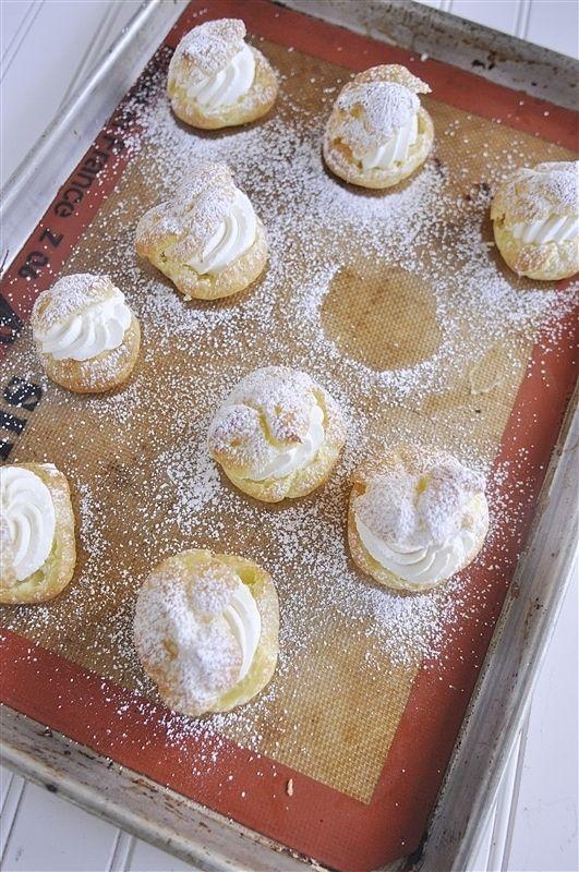 Finished cream puffs