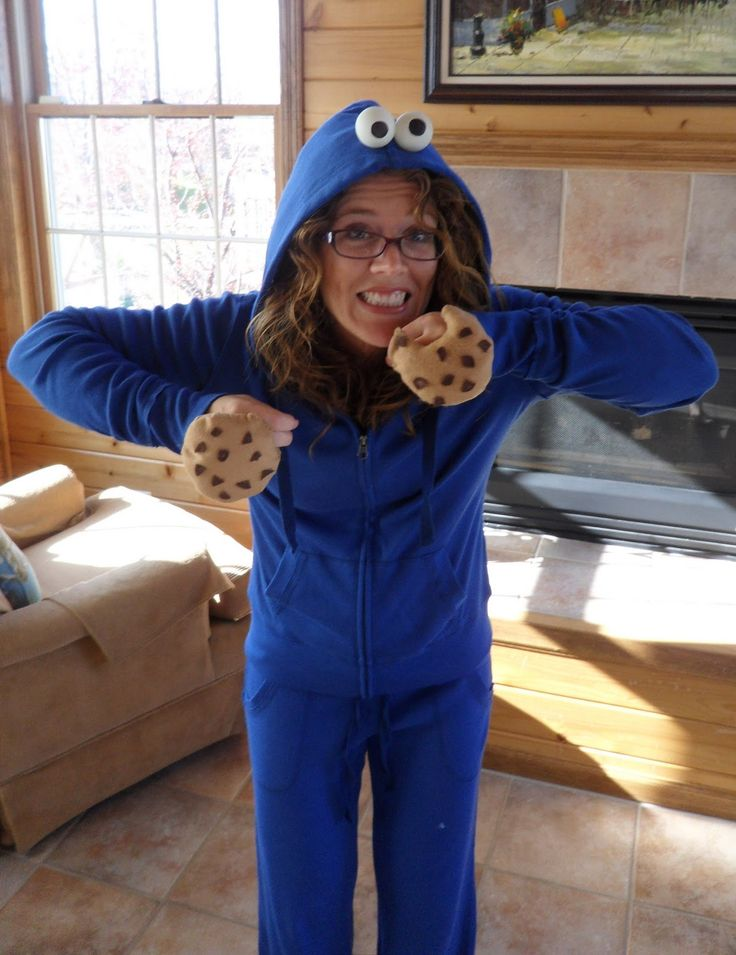 ... picture of my very simple, very homemade Cookie Monster costume