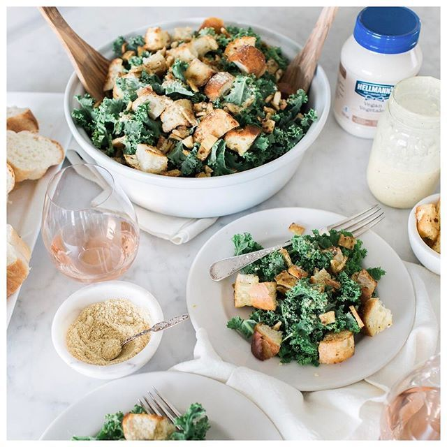 jillian.harrisI've revamped @justinpasutto's Kale Caesar salad recipe and it might just be even BETTER than the original! (sorry babe 😂) Secret ingredient: @HellmannsCanada Vegan dressing! Get the full recipe over on the blog! #sponsored