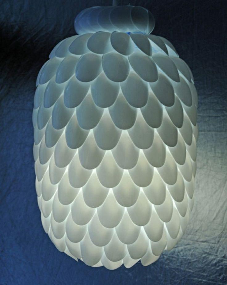 lustre à fabriquer soi-même en cuillères en plastique