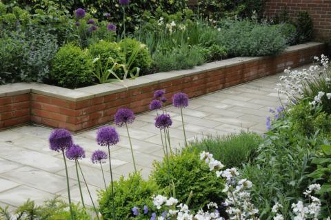 Wimbledon 1, smart front garden, designed by Arthur Road Landscapes
