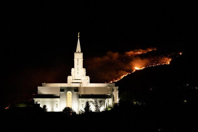Photos: Bountiful Utah Temple Surrounded by Flames After Hundreds Evacuated