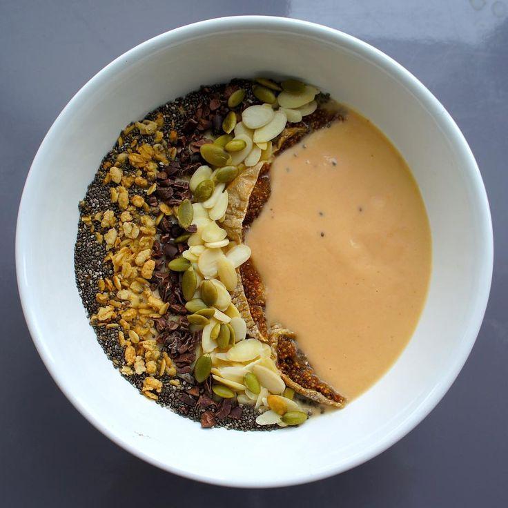 Honeydew melon smoothie bowl