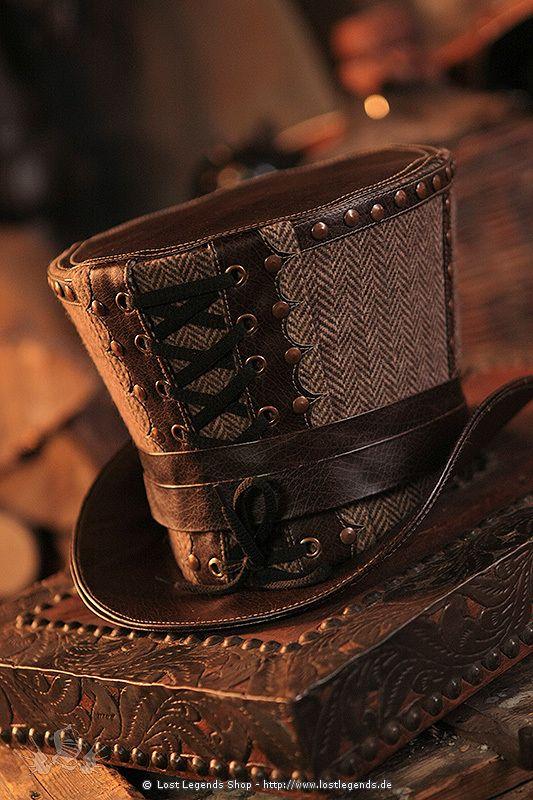 Steampunk Zylinder mit Tweed und Kunstlederoptik, verziert mit kupferfarbenen Nieten.