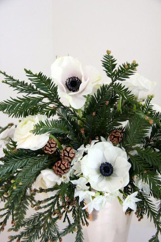 Blooms In Season December Weddingflowersforweddingparty Daisies