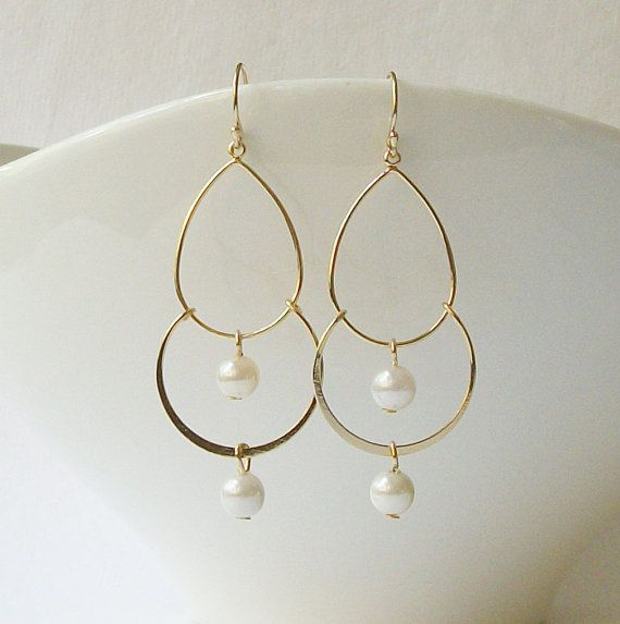 Hey, I found this really awesome Etsy listing at https://www.etsy.com/listing/109984889/pearl-gold-chandelier-earrings-christmas