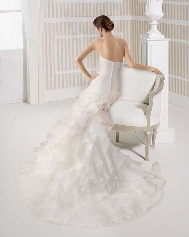 7S136 ENCANTO | Wedding Dresses | 2015 Collection | Luna Novias (back)