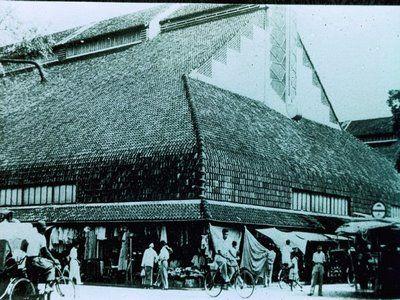 tua-pa-sat-pusat-pasar.jpg (400×300)