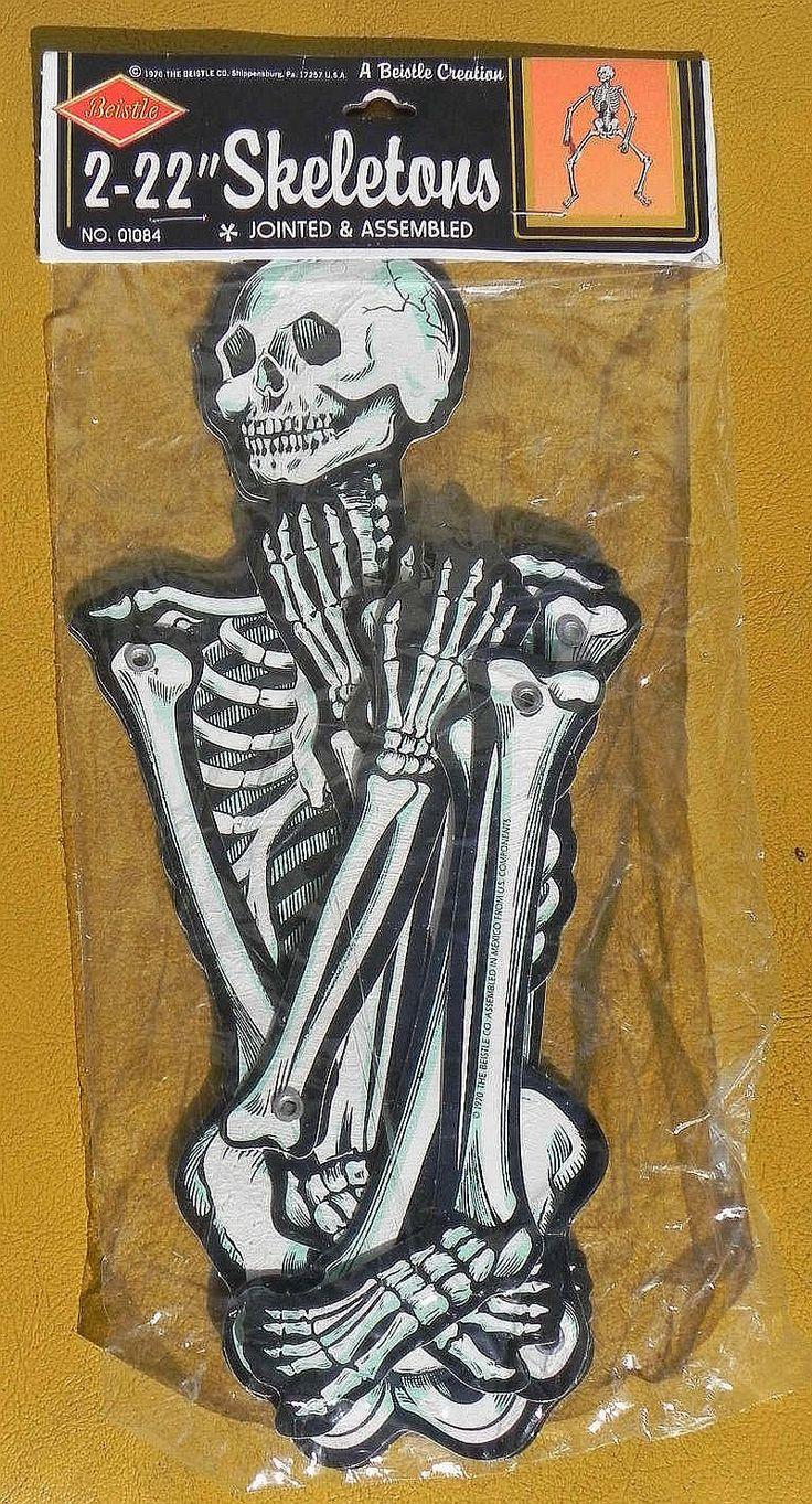 Halloween skeleton decorations - Vintage 1970 Beistle Halloween Skeletons Decoration