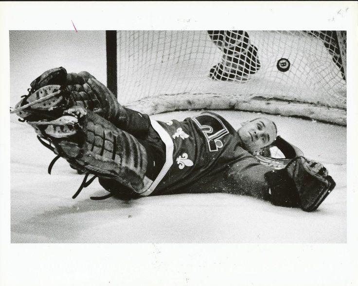 1988 Mario Brunetta Loses Mask Quebec Nordiques